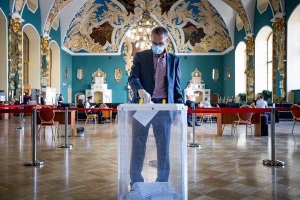 Putin Orchestrates Russia Referendum to Keep Him in Power